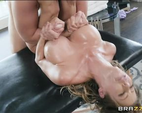 Hot MILF came for a foot massage and ended up fucking the reflexologist very hard