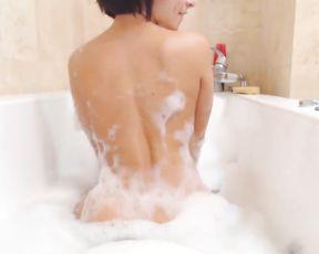 Slut masturbates in the shower with a big dildo until she cumsl ike crazy