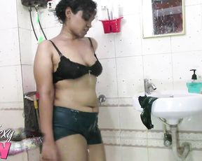 Big ass amateur is ready to strip naked and masturbate in the shower