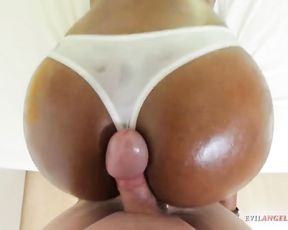 Ebony slut shakes sexy naked butt in front of cock after sucks it