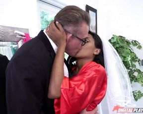 It's never too late for a sex before weeding for slutty ebony bitch