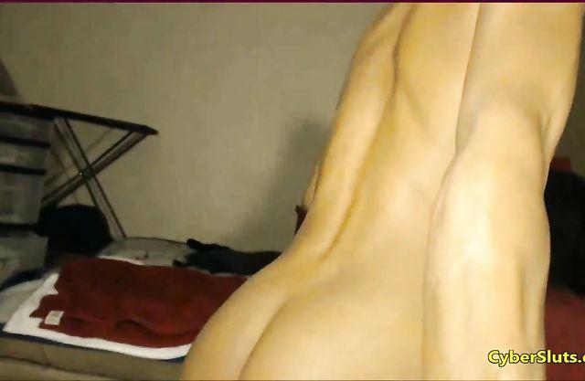 Ebony slut masturbates her pussy with her huge dildo until she cums