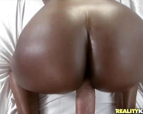 Sporty ebony bitch is seduced by her trainer and fucked hardcore