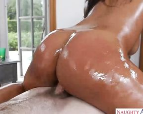 Client's naked body motivates masseuse to fuck Ebony woman on table