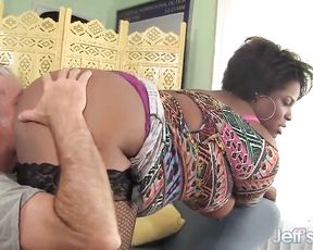 Voluptuous black woman screwed well by naked lover with grey hair