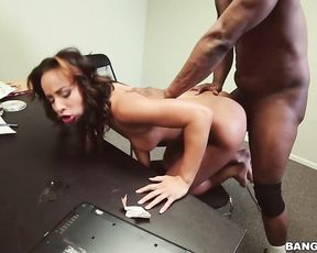 Stark naked Ebony whore went to rich boy's office to make his cock sneak inside