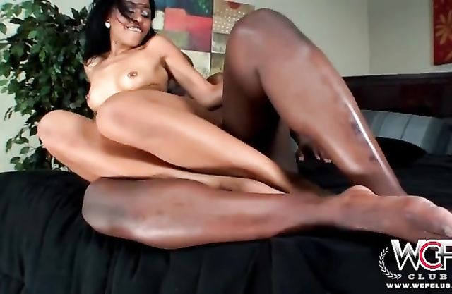 Huge black schlong penetrates ass and pussy of sexy naked bimbo