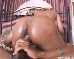 Dirty anal sex makes naked Ebony hottie with round jugs actively moan
