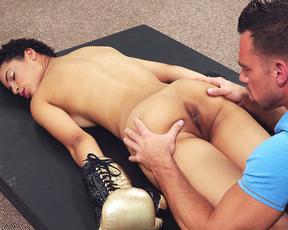 Box teacher caresses asshole of naked Ebony disciple with his tongue