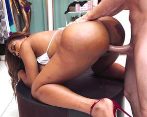 Hot black customer let naked salesman screw her in the empty shop