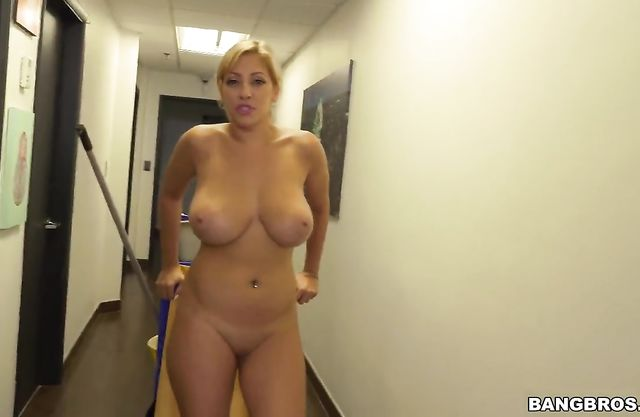 Young woman with naked big boobies postpones maid things to suck boss