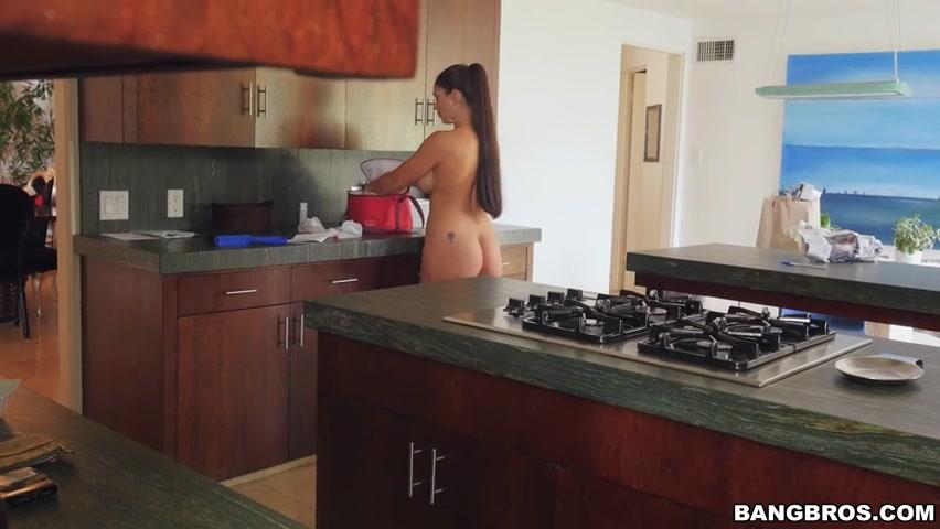 Sarah dunn naked