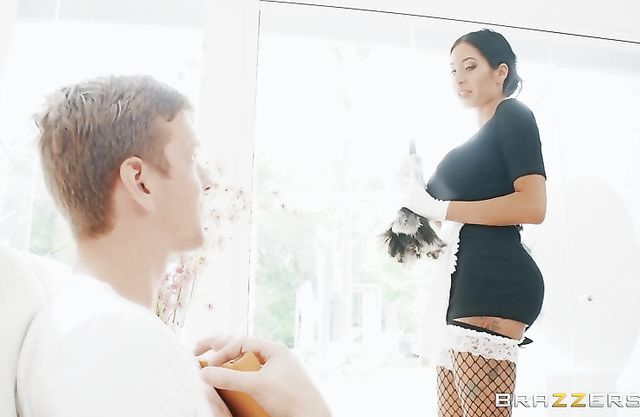 Dirty pin up maid teases curious master with her juicy naked boobs
