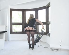 Pin up maid accidentally sees naked BBC and can't stop thinking about it