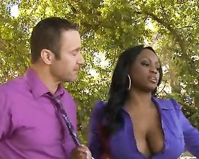 Business comes to black girl and finds her naked and ready for banging