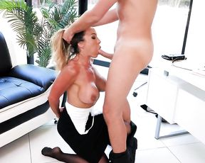 Girl with full lips can see with her naked eye it's easy to entice manager