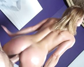 Excited girl stops doing massage to be fucked in pussy by naked client