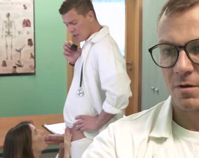 Naked pussyfucking in doctor's office is the best treatment for girl