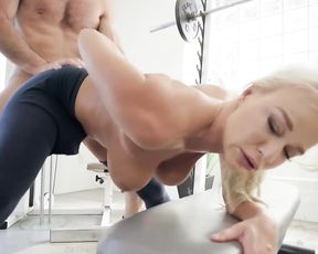 Strong man lifts platinum blonde girl and invades pussy with naked dick