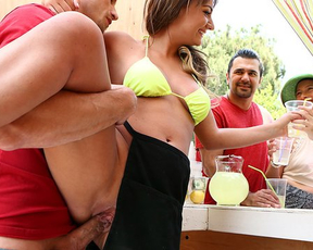 Lemonade shop is a perfect place for naked girl to do it in broad daylight