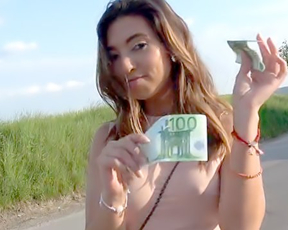 Stunning chick gladly accepts cash for naked quickie in public place