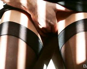 Sexy babe gets fucked hard by the delivery man at the office
