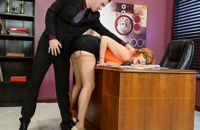 Boss spanks ass of nerdy secretary and stretches naked pussy with big dick