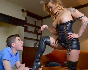 Half naked MILF in leather corset and high boots allows boy to bonk pussy