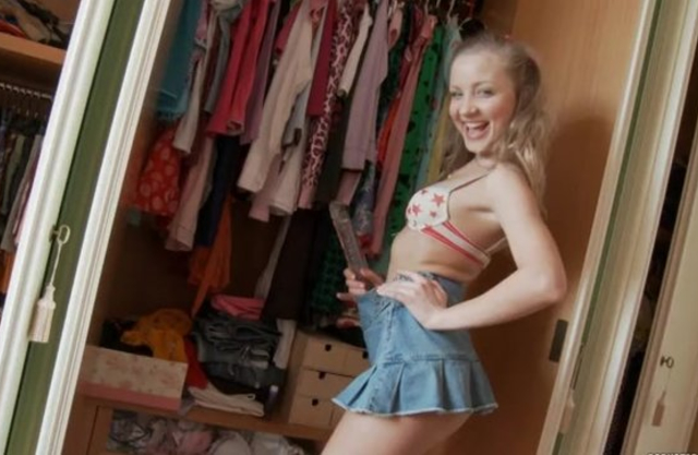 Joyful cutie is in mood to pose naked in front of boyfriend with cam