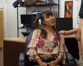 Smart pawn shop worker entices Asian client into naked quickie in office