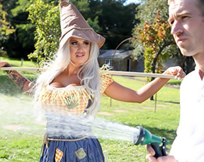 Naked diva pretends to be a scarecrow to get some sexual experience