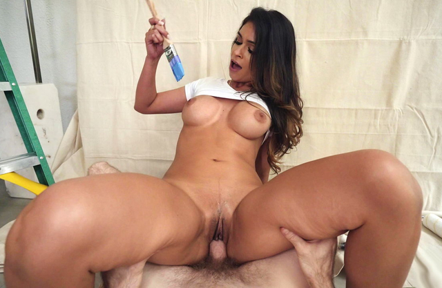 Hot babe painter with big tits and fat ass rode my dick before I painted her face white