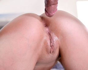Young babe makes her boyfriend ditch the purity ring and cums in her tight pussy