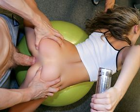 Sexy girl gets me into a 12-month subscription to her gym with her hot body