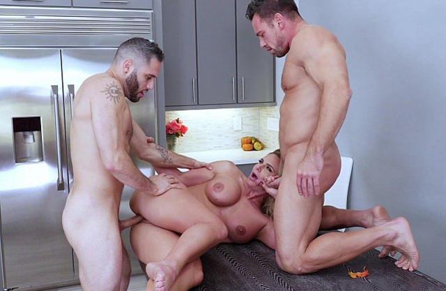 Naked babe is enjoying sweet sex