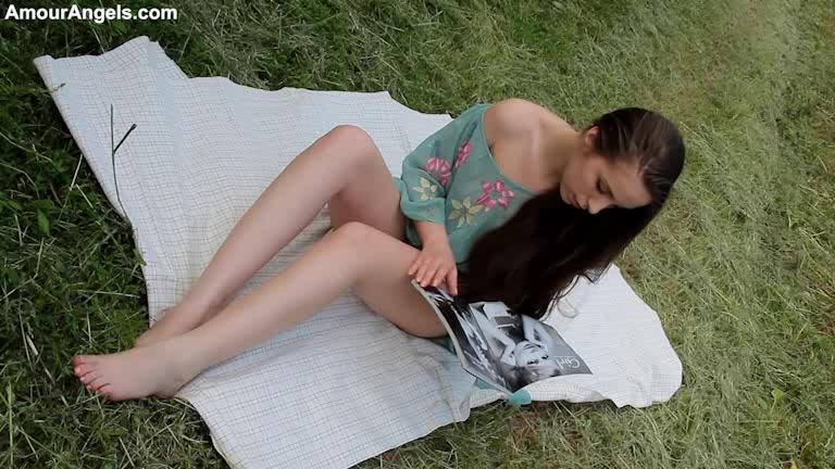 Girls naked lovely