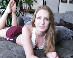 Step sister sucks dick on cam and leaves the fucker to watch it in great details