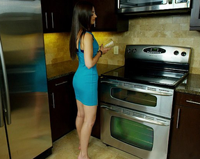 Teen slut slides dildo up the shaved cunt in a kinky kitchen tryout