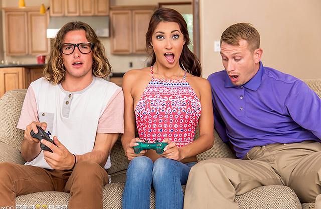 [ Gamer girl sex ] She seduces two nerds as she craves for some joysticks
