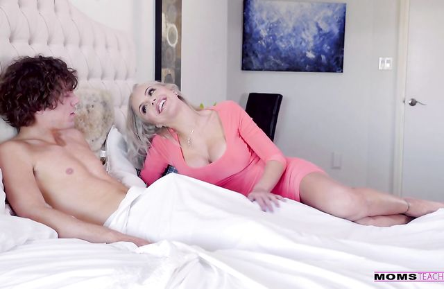Appealing scenes of cock sharing with two naked blonde beauties
