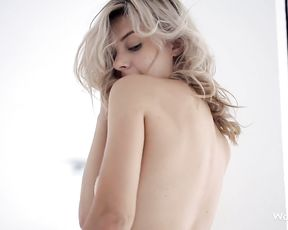 Blonde chick wearing thigh highs and masturbating will make you cum