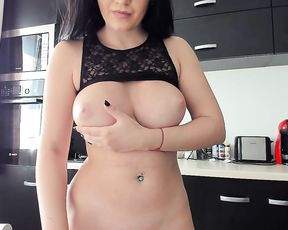 Nerdy bitch with huge tits start masturbating in the shower until she cums