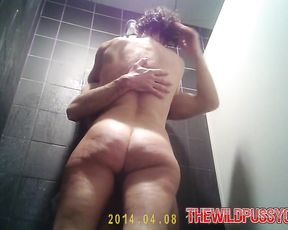 Big ass wife enjoys tasty inches during amateur webcam shower scenes