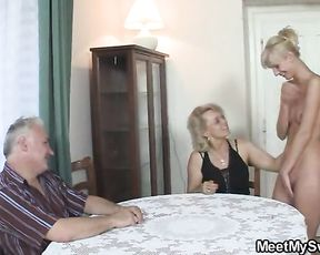 Young naked girl gets fucked by an elderly dude after having a shower