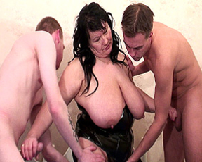 Fatty mature gets fucked hard by two hard cocks and cummed on her face